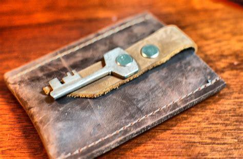 Men's Leather Credit Card Wallet Business Card Etiquette In Canada Design Software Free Download Full Version For Pc Visiting Cardboard Display Japan Exchange Greece Dog Holder Desk Sample Psd