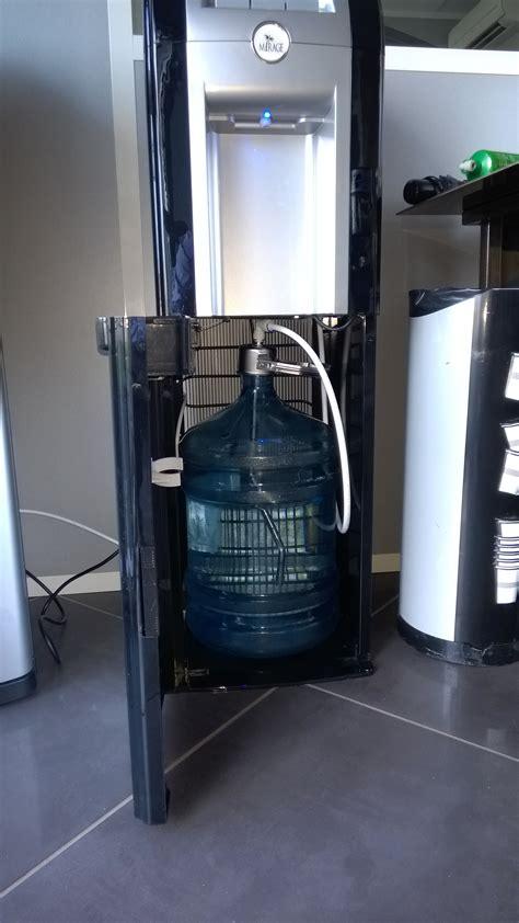 fontaine eau bureau fontaine à eau bonbonne ou réseau mirage eau fraîche