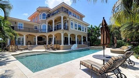 heres   florida mansion  couple stars