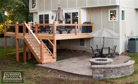 leeder cedar deck in kansas city with sted concrete