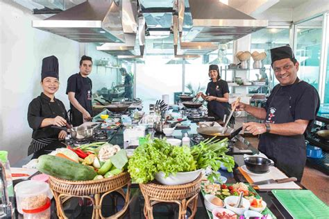thai chef cooking culinary thailand schools bangkok training