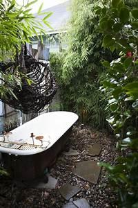 Badewanne Outdoor Garten : best 25 outdoor bathtub ideas on pinterest outdoor baths outdoor bathrooms and beach style ~ Sanjose-hotels-ca.com Haus und Dekorationen