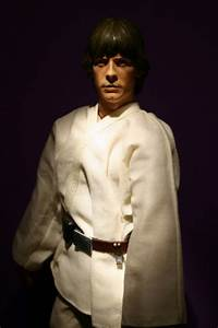 12″ Luke Skywalker Episode IV Action Figure | Fandomania