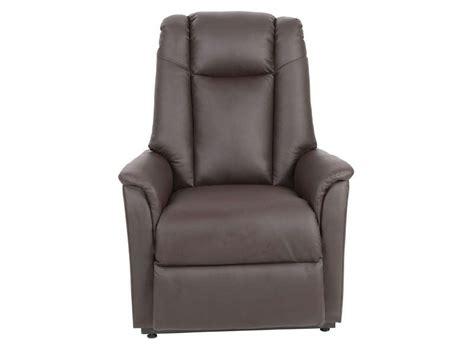 fauteuil electrique releveur conforama fauteuil de relaxation et releveur 233 lectrique max en pu coloris chocolat vente de tous les