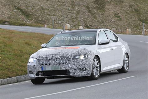 Spyshots 2018 Skoda Superb Combi Facelift Tests With Two