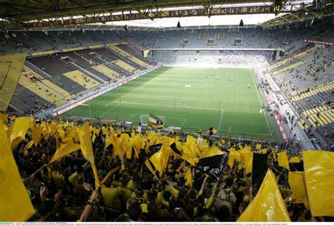 Travel Guide for Borussia Dortmund and Signal Iduna Park ...