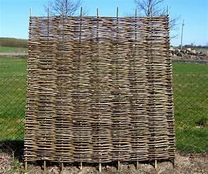Sichtschutz Aus Weide : sichtschutzzaun aus natur weide haselnuss robinie oder ~ Lizthompson.info Haus und Dekorationen