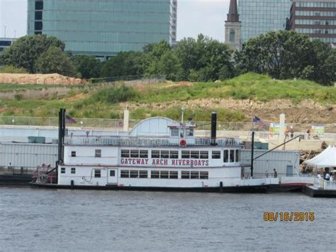 Mississippi River Boat Cruise St Louis by Riverboat Picture Of Gateway Arch Riverboats