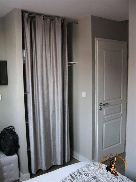 schrank mit vorhang quot kein schrank nur ein regal mit vorhang quot hotel st sernin