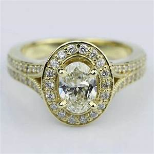 antique oval diamond engagement ring in yellow gold With vintage oval wedding rings