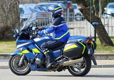 motard nationale devenir motard dans la gendarmerie 2019 missions salaire concours