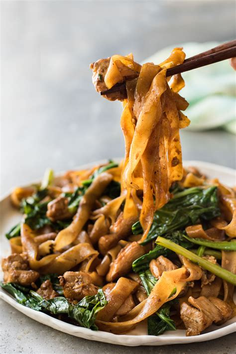 pad  ew thai stir fried noodles keeprecipes