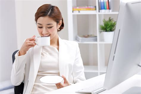 According to research, decaf coffee doesn't pose a risk to pregnant women and their babies, as long as they don't go beyond the maximum limit of taking in 200 mg of caffeine each day. Positive and Negative Health Effects of Caffeine | Healthfully