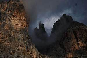 Report, From, Dark, Mountain