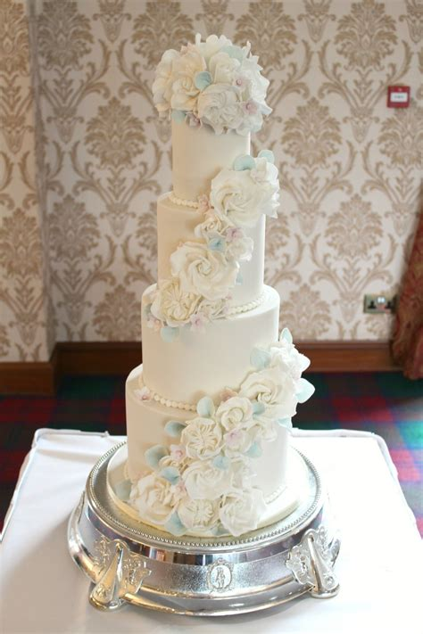 rosewood wedding cakes artistic wedding cakes glasgow ayrshire loch lomond