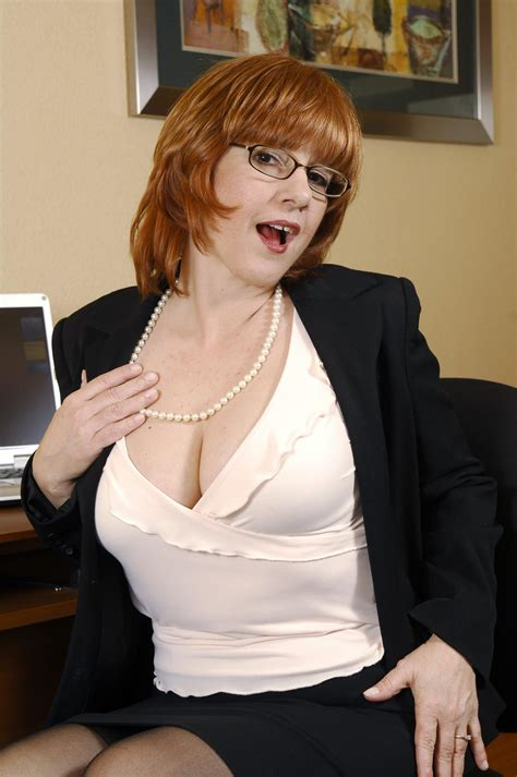 Redhead Mom Calliste Likes To Strip Pictures Calliste Porn Pic From Gorgeous