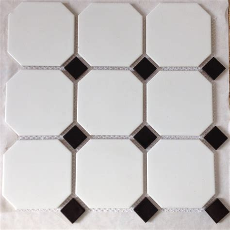 carrelage cuisine blanc et noir carrelage mosaique noir et blanc obasinc com