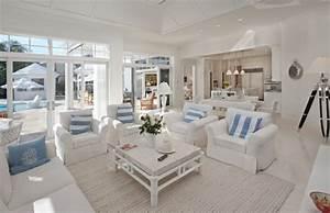 Coastal Style Living Room - Home Interior Design