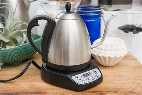 The question of coffee and water most often comes up with making a brew in a coffee pot, but really, this proportion works for all brewing methods except cold brew. Bonavita Pour Over Instructions
