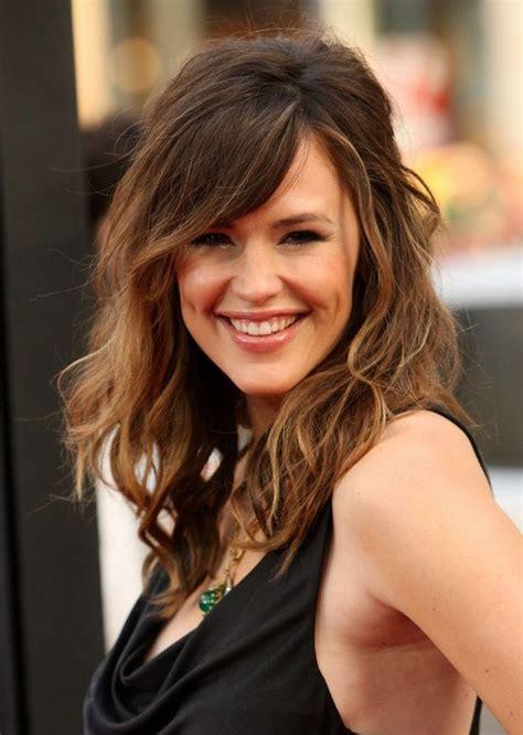 popular medium length hairstyles for thick hair cute