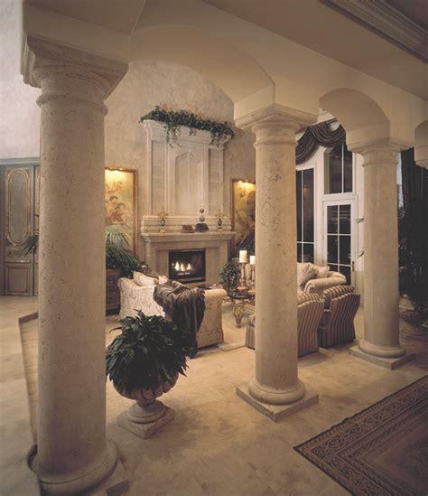 Columns  Carmellalvpr