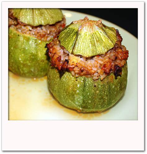 cuisiner courgettes rondes courgettes rondes farcies pour 4 personnes recettes