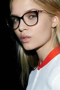 Lunette De Vue A La Mode : mode victoria beckham lance sa ligne de lunettes de vue ~ Melissatoandfro.com Idées de Décoration