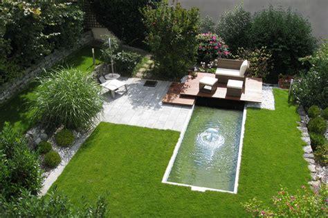 Moderne Gärten Mit Wasserbecken steg mit wasserbecken und halbkugelfilmd 252 se