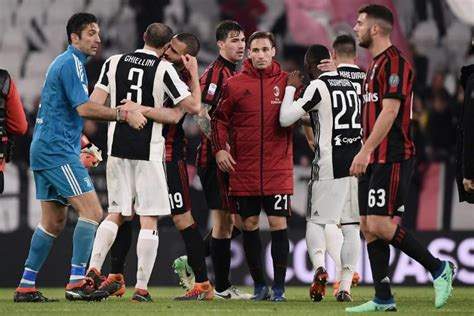 Juventus pull clear as Napoli's title dreams hit