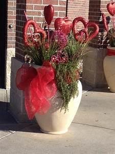 Exterior Pot Valentines