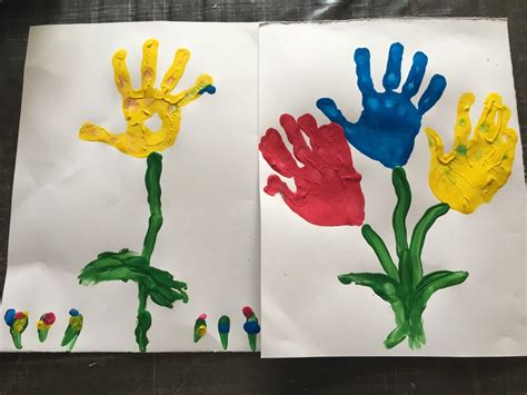 faire un tablier de cuisine activité peinture fleurs à la le de maman plume