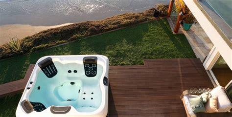 whirlpool garten villeroy und boch ihre pers 246 nliche wellness oase outdoor whirlpools