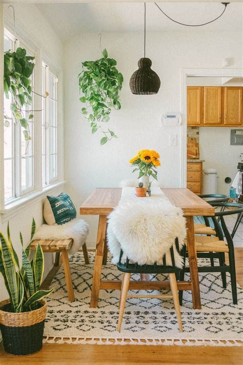 The vintage pace collection chairs are from center 44 in new york city. Pretty Kitchen Wall Decor Ideas to Stir Up Your Blank Walls   Dining room walls, Country dining ...