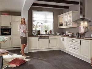 Nobilia kuche castello 390 magnolia gewischt kuche for Nobilia küche