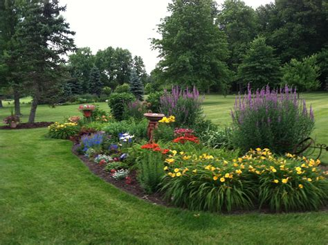island garden bed on perennial gardens