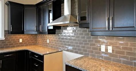 backsplash for new caledonia granite search