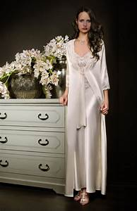 long white satin and lace negligee and nightgown set With robe de chambre longue