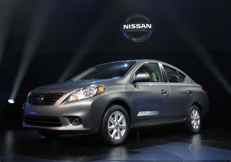 nissan sedan 2012 first look 2012 nissan versa sedan thedetroitbureau com