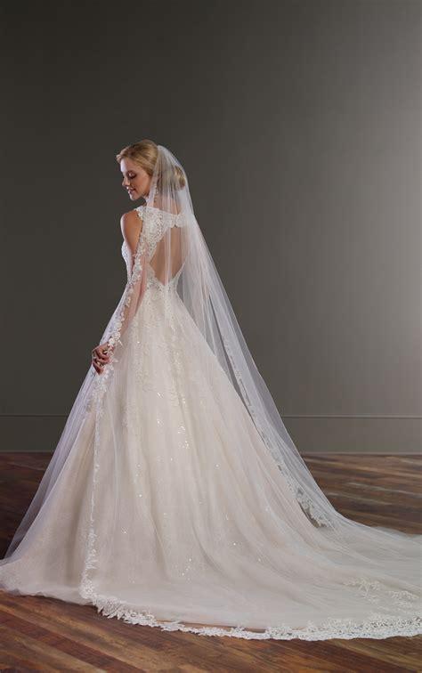 ball gown wedding dress  keyhole  martina liana