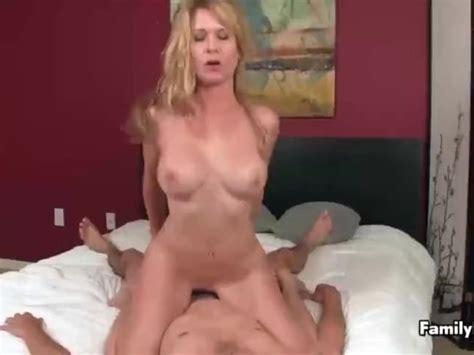 Sexy Milf Is Having Sex With A Young Guy Mp4 Free Porn
