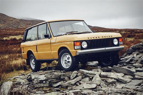classic land rover range rover classic reborn uncrate