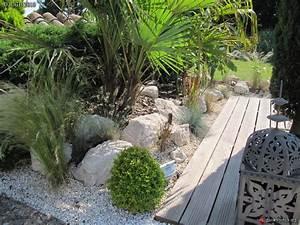 rocaille t 2010 cot piscine les galeries photo de With modele de parterre exterieur 17 quelles plantes pour un massif de bord de piscine