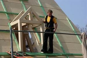 Hausdach Neu Decken Kosten : kostenloses foto zimmermann dach restaurieren ~ Michelbontemps.com Haus und Dekorationen