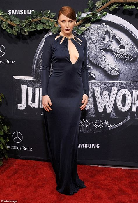 jurassic world actress shoes jurassic world under fire for bryce dallas howard s
