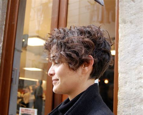 30 Majestic Hairstyles For Short Curly Hair