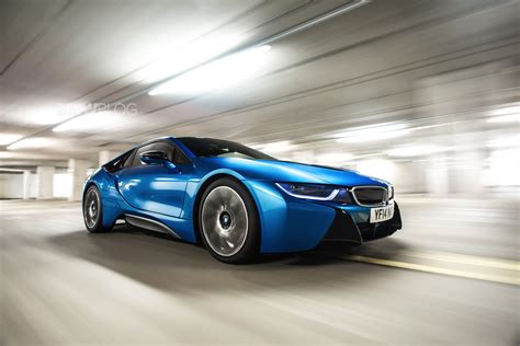bmw i8 bmw i8 photo gallery in protonic blue