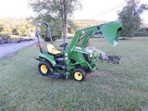 John Deere Sub Compact Tractor with Loader