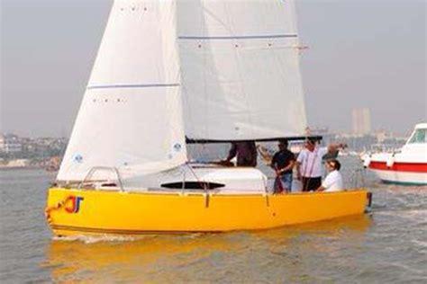 Sailing Boat Price In India by Sailing At Gateway Of India Mumbai Jj 22 Sailboat