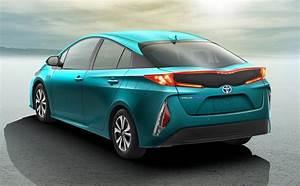 Toyota Prius Versions : toyota prius phev segunda generaci n la nueva entrega de la versi n h brida ~ Medecine-chirurgie-esthetiques.com Avis de Voitures