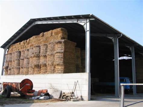 struttura capannone in ferro capannoni pensiline scale in metallo per agricoltura